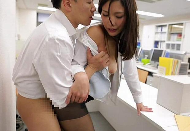 オ●●コおっぴろげ!お姉ちゃん 四六時中濡れまくり、前戯いらずの即挿入セックス 佐々木マリア